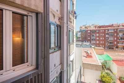 Светлая квартира с террасой в центральном районе Барселоны